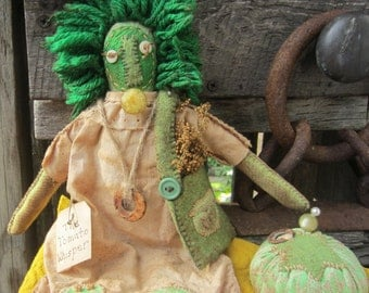 GREEN RAGGEDY DOLL  Green Worm  Doll!! Garden Grubby Summer Farmers Market Up cycled Funky Garden Tomato Tomatoe Pin Keep