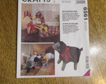 "COUNTRY FAIR - Folksy Soft Sculpture Patchwork 15"" Lamb & 20"" Goose / Gander - UNCUT Sewing Pattern McCalls 6561"