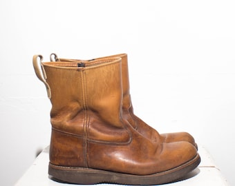10.5 D | Men's Vintage Pecos Style Pull On Work Boots
