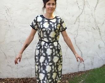 50's 60's VTG wiggle Dress floral print black white Sz 6 8