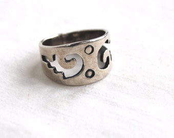 Mexican Sterling Silver Ring Band Size 6 .5 Tribal Cut Out Artisan Wide Ring Cigar Band Vintage Mexico