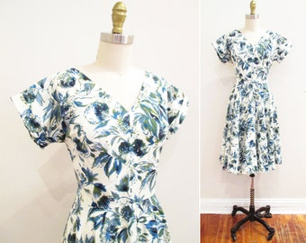 Vintage 1950s Dress | Rhinestone Studded Painterly Floral Print 1950s Party Dress | size small - medium | 5D006