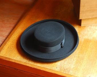 vintage Bergdorf Goodman black wool wide brim hat