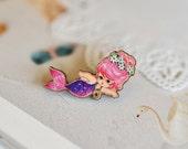Pink little mermaid, Wooden Brooch, Pin, Handmade, vintage image