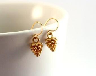 Gold Pine Cone Earrings, Small Gold Earrings, Gold Pinecone Earrings, Dainty Gold Earrings, Realistic Pine Cones Earrings, Woodland Jewelry