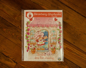 Vintage STRAWBERRY SHORTCAKE Tray Puzzle - 1981