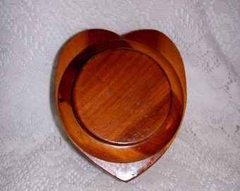 Vintage Heart Shaped Wood Trinket Box Only 5 USD