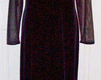 Vintage Ladies Black Stretch Velvet Formal Dress by Worthington Size 10 Only 12 USD