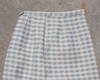 XMAS in JULY SALE : 1940s houndstooth skirt