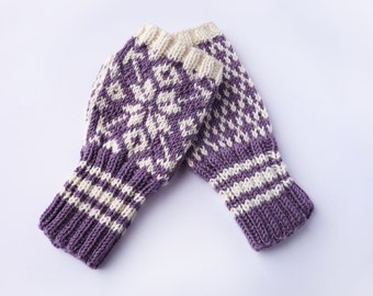 Fingerless Mittens - Traditional Norwegian Design// Selbu Style in Lilac and White