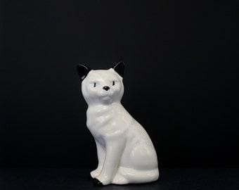 Vintage Ceramic Cat Figurine - White Cat Statue Home Decor - Bookshelf Cat