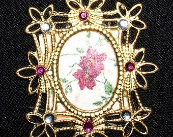 Dollhouse miniature Victorian-like gold jeweled picture frame
