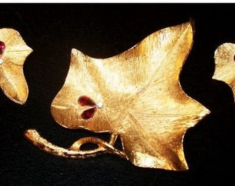 BSK Leaf Brooch Earring Set Red Rhinestones Gold Brushed Metal Holiday Fashion Jewelry Vintage
