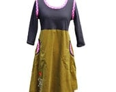 Sweethearts_ womens jersey/babycord dress with pockets_olivegreen/black/pink
