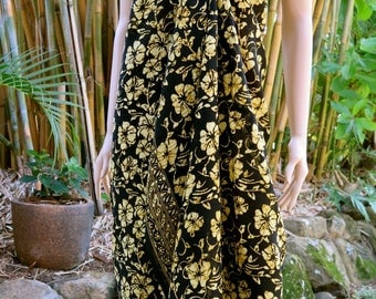 Black and Gold Batik Sarong, Beach Sarong, Pareo E