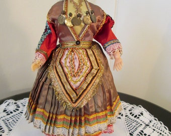 """Vintage 28cm 11"""" - Composition - Girl Costume Doll - Greece? Ethnic - 1950s 1960s"""