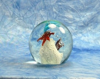 Vintage 1970-1980's Acrylic Under The Sea Paperweight,  With Blue Dolphins, Star Fish, Sea Shells, and White Coral with Felt Bottom, Office