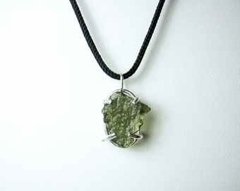 Moldavite Pendant / Moldavite jewelry / Moldavite stone / raw moldavite / handmade jewelry / sterling silver / healing crystals and stones
