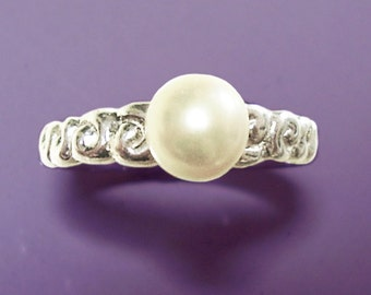 Cultured pearl spiral sterling silver ring