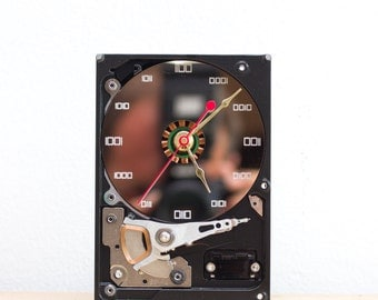 Desk clock - recycled Computer hard drive clock, HDD clock, gift for dad, unique gift for him, graduation gift - c0290
