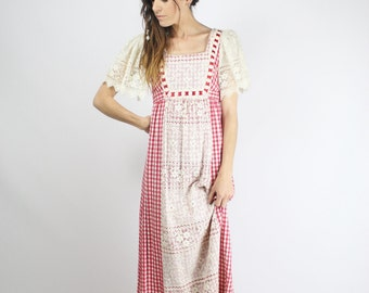 Vintage maxi dress, Empire waist maxi dress, 60s hippie dress, Gingham, White lace, Angel sleeves, Bohemian dress, XS - S