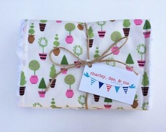 Topiary Baby Girl Burp Cloths, Free Shipping Petite Pink Topiaries Baby Girl Gift Burpees Set of 2 Shower Newborn Gift Shabby Chic Nursery
