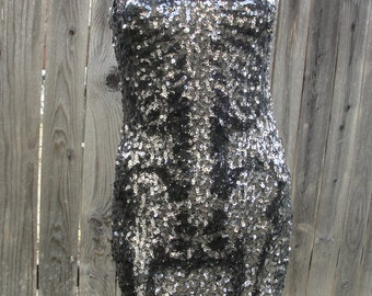 Silver sequin sparkly skeleton dress / dia de los muertos / day of the dead / halloween costume size extra small XS mini bodycon