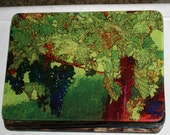Glass Cutting Board - Grape Vine - 7.75 in  x 10.75 in