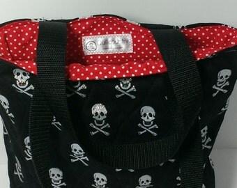 Skull and crossbones tote bag with zipper pocket