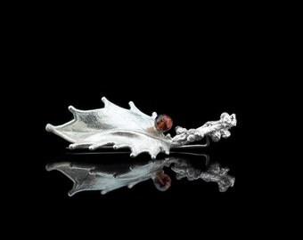 LEAF WITH GARNET | Fine Silver brooch (Free shippping)