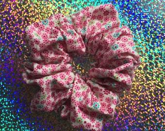 Little PINK DAISY Hair Scrunchie