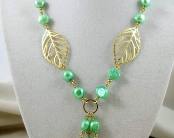 Pearl Necklace, Pendant Necklace, Pearl Jewelry, Freshwater Pearl Necklace, Green Necklace, Leaf Necklace, Green Pearl Necklace