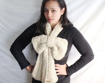 Winter scarf in beige, Crochet Bow Scarf, Thick chunky winter scarf, Fashion scarf