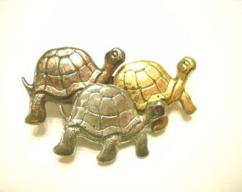 Vintage Trio Of Turtles Pin (9716)