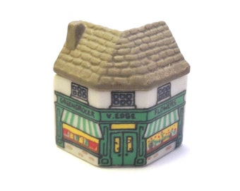 Whimsey on Why: The Greengrocer's Shop 1981-82. - Wade Figurines - Wade - Wade Whimsies - Wade Pottery - Wade Collectables - Wade House