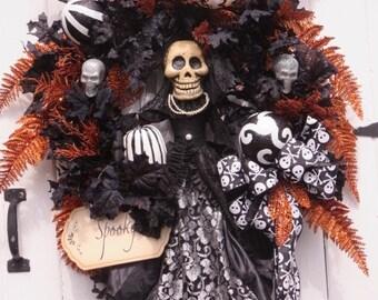 Halloween Door Wreath, Halloween Skeleton, Halloween Wreath, Halloween Pumpkins,  Wreath Front Door, Halloween Decor, Hand Painted Pumpkins