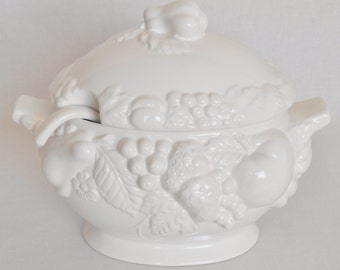 Large Vintage Century Japan Light Cream Soup Tureen with Embossed Fruit, Vintage Soup Tureen, Century Japan Soup Tureen, Vintage Serveware,