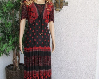 CAROL LITTLE DRESS unworn Size 4 vintage 80's maxi dress Boho Rayon black and rust crinkle fabric