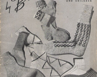 Vintage 1944 WWII Hand Knits by Beehive Socks for Men, Women & Children Knitting Pattern Book No. 127