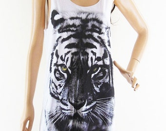 Tiger tank top Leopard Shirt Tiger Tshirt Graphic Tank Top workout tee hipster tumblr tee women tank top Men Tank unisex tank top size M