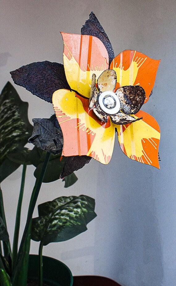yellow orange rust metal yard art flower by bloomagainmetalart. Black Bedroom Furniture Sets. Home Design Ideas