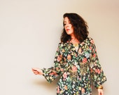 Vintage 70s Wild Flower Print Blouse | Boho Top w/ Wide Long Sleeves / Button-up / MED