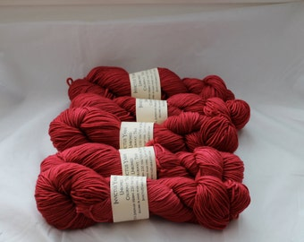 True Unbowed DK yarn 100% super wash merino