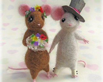 Mice Wedding Cake Toppers - Town Mouse and Country Mouse Needle Felted Alternative Storybook Decorative Model