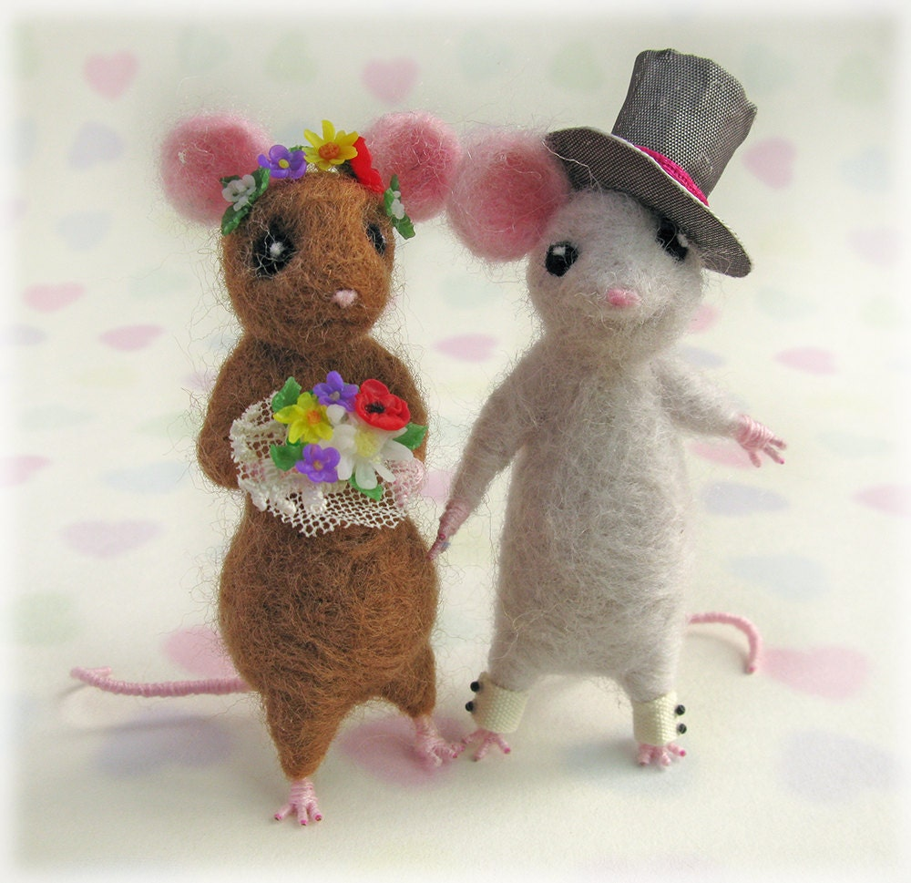 mice wedding cake toppers uk mice wedding cake toppers town mouse and country mouse 17334
