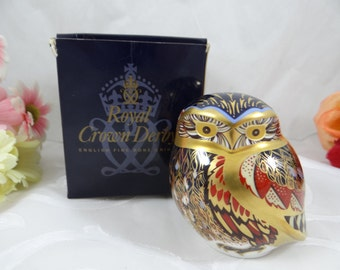 """Vintage Royal Crown Derby English Bone China  """"Little Owl"""" First Quality Paperweight Figurine In Original Box"""
