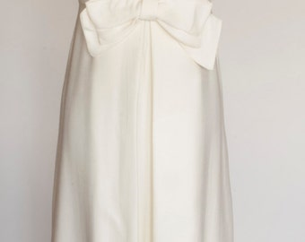 Vinage 50/60s White Rhinestone Floral Trim Gown