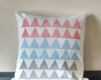 Cushion cover: 'Peaks' design handprinted on white cotton