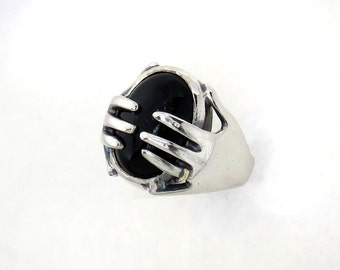 Caring Hands Ring - Onyx Ring - Personalized Ring - Magic Ring in Sterling Silver - Hands Holding a Stone Esoteric Occult Ring