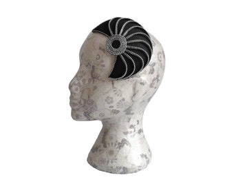 Black & Silver 20's style Zip and Felt Fascinator